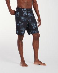 Cayman Frond Zone 9-Inch Hybrid Board Shorts